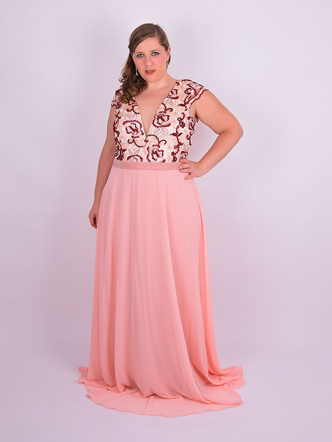 vestido de festa plus size Ivana Beaumond Moda Noiva