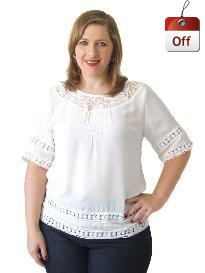 Blusa Manga Curta Crepe Renda Off White Plus Size